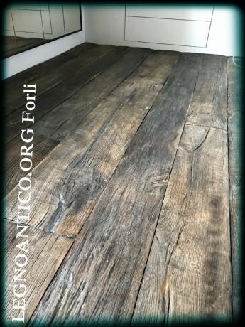 pavimento in legno di rovere antico in patina