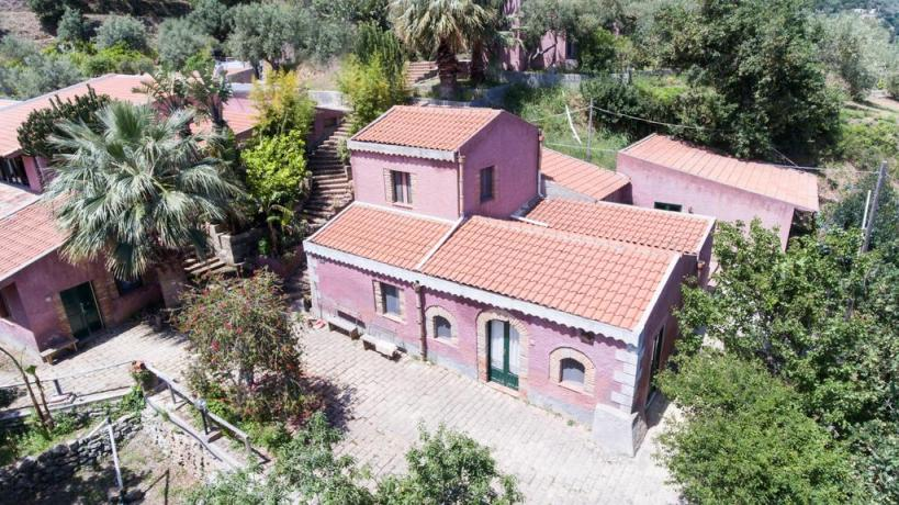 Agriturismo in Sicilia con ampio spazio esterno