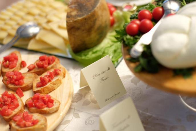Ricco buffet in ristorante albergo 4 Stelle Avezzano