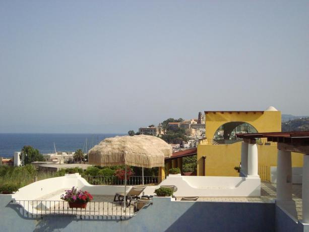 Solarium in Hotel 4 stelle a Lipari