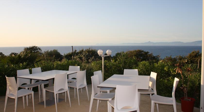 Colazione sul Mare in Villaggio vicino Tropea