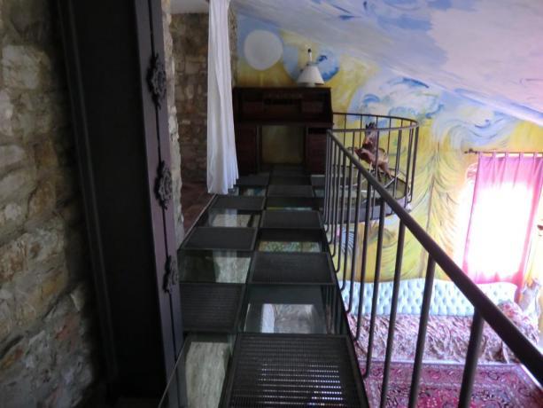 Suite Gialla con soppalco relais Calenzano