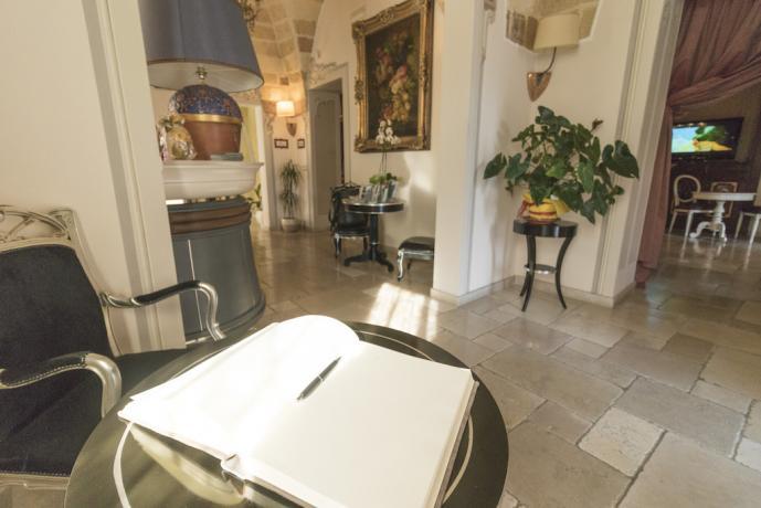 Sala bar in hotel 4 stelle vicino Lecce