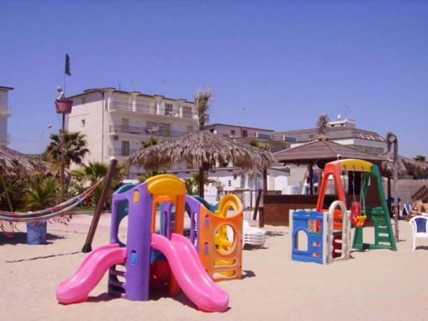 Lido di Fermo, Giochi per Bambini sulla Spiaggia