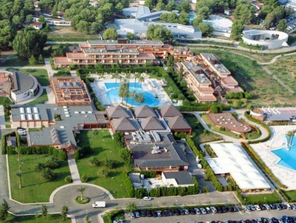 PUGLIA: Hotel/villaggio con piscina ed animazione