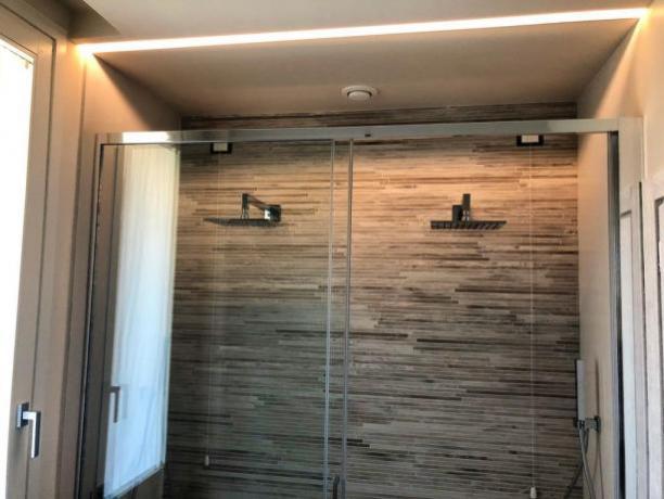 Camera Romantica a Foligno con Doccia 2 persone