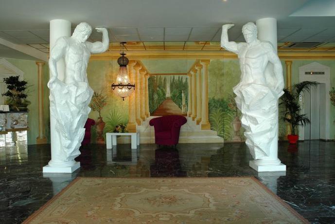 Animazione e Piscina in Hotel Golfo di Gaeta