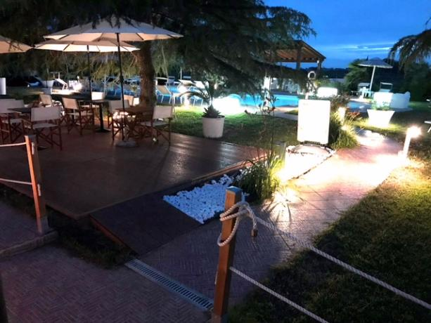 Piscina in resort riscaldata con bar esterno Follonica