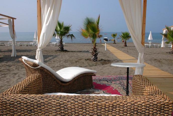 Hotel con Animazione e Spiaggia Baia Domizia