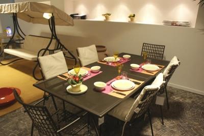 Tavolo da giardino emu offerta mobili giardino legno ferro for Volantino mobili da giardino