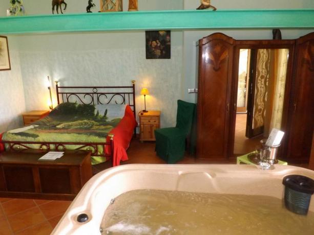 Camera matrimoniale con Jacuzi privata a Bracciano