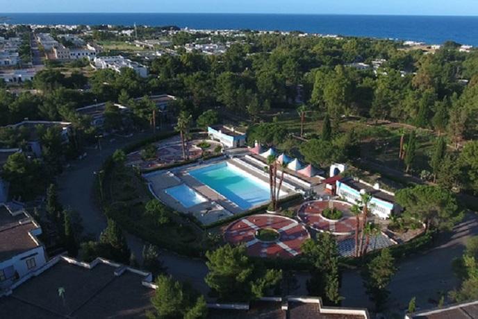 Villaggio Turistico con piscina vicino Gallipoli nel Salento