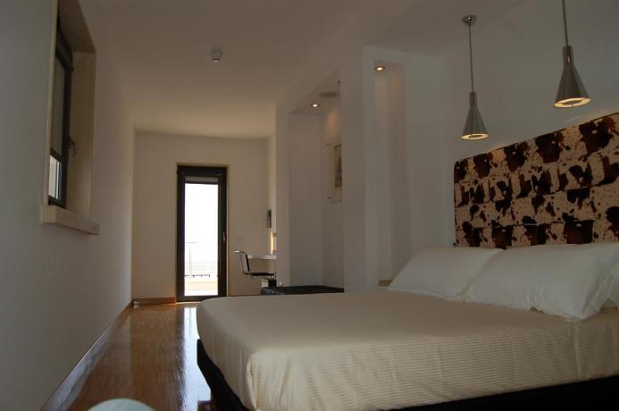 Appartamenti con balcone in Hotel a Fondi