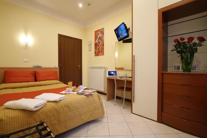 Colazione in Camera Matrimoniale in hotel a Milano