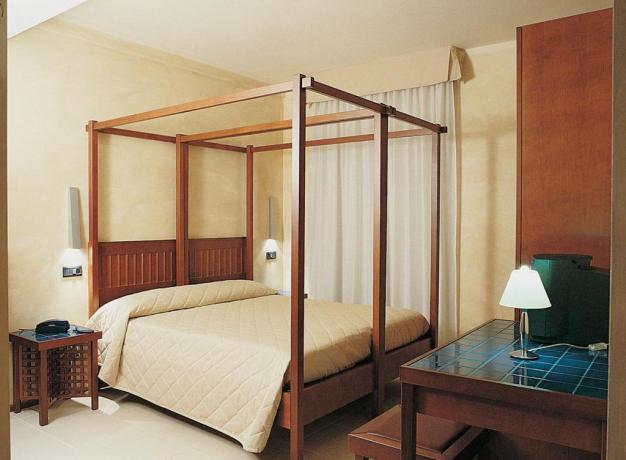 Camera matrimoniale romantica Hotel Ascoli