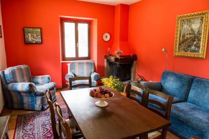 Appartamenti in Umbria con piscina ideale per famiglie