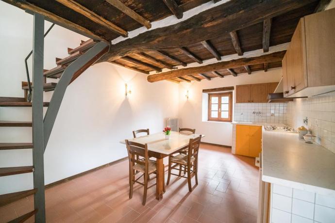 Sala Cucina con Camino vicino Firenze