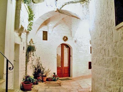 Cisternino, The white City in Apulia