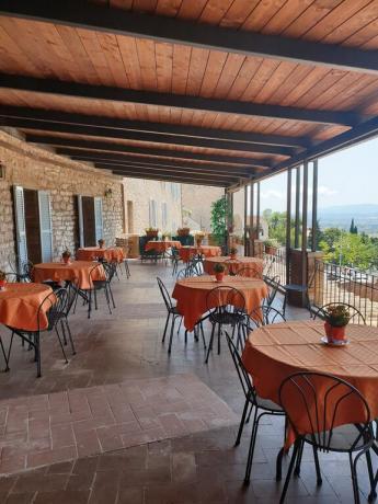Terrazza panoramica aperitivo centro Assisi hotel3stelle