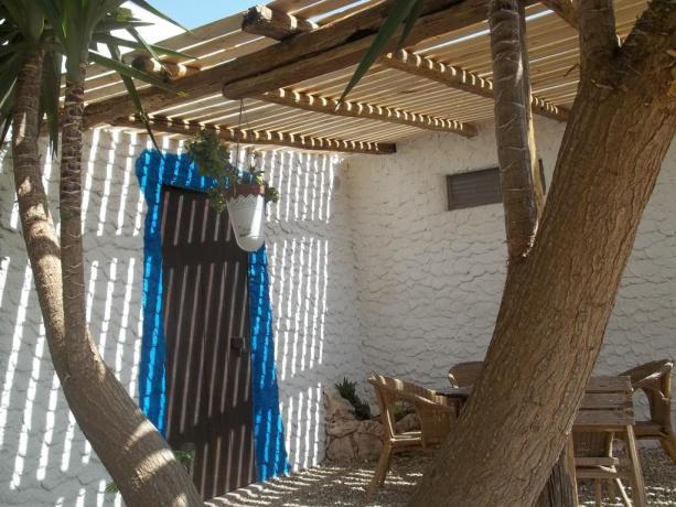 Lampedusa Hotel - Villaggio di Dammusi vicino alla Baia di Cala Creta