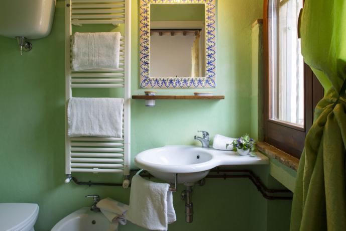 Bagno privato camera matrimoniale vicino Assisi