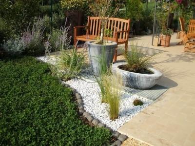 Arredare gli spazi esterni progettazione giardini e spazi for Arredare i giardini