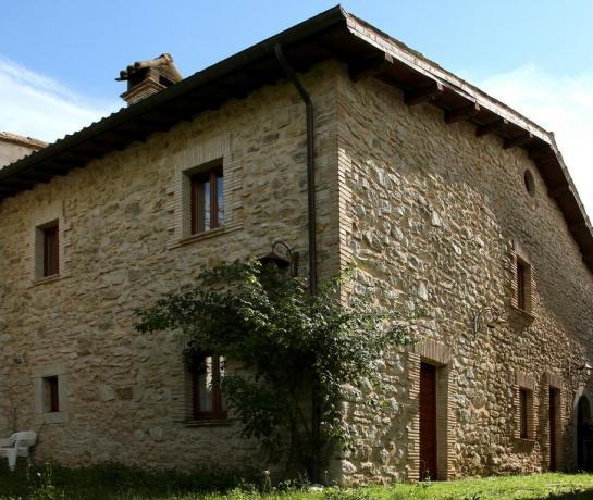 Appartamenti fino 8 posti in montagna Umbria