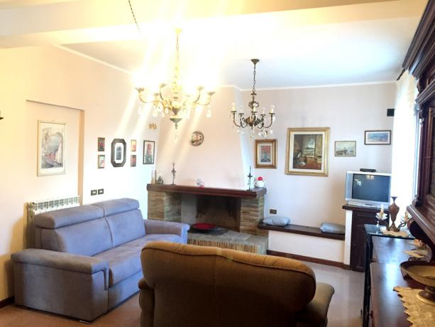 Salone con Camino funzionante - Umbria Montefalco