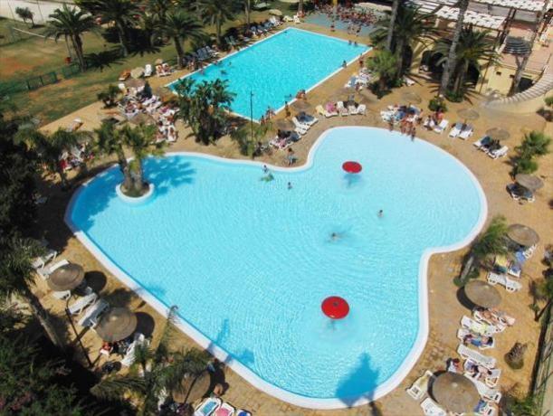 Panoramica piscine per adulti e bambini