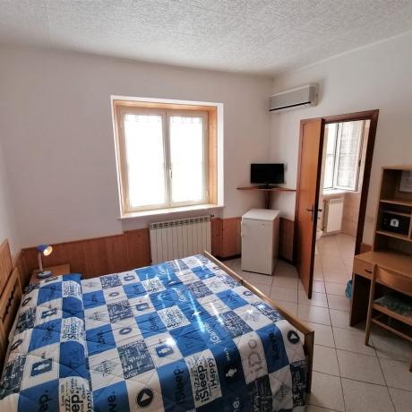Camera matrimoniale con frigorifero e tv Maremma-Toscana