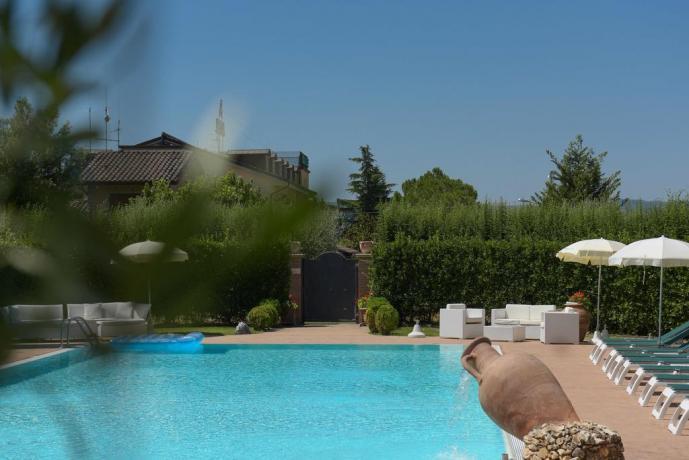 Hotel Giardino Piscina e Ristorante in Umbria