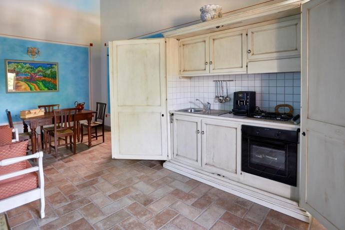 Casale Unciano con cucina completa con biancheria