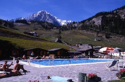 Piscina panoramica a courmayeur b b hotel e residence vicino courmayeur courmayeur aosta valle - Hotel courmayeur con piscina ...