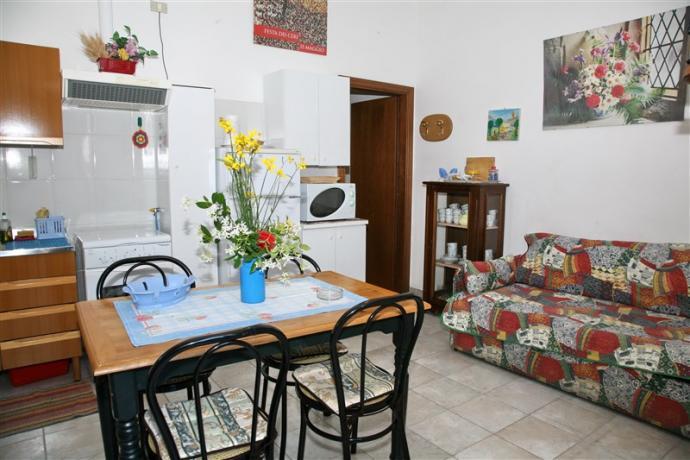 Soggiorno attrezzato appartamento Primula