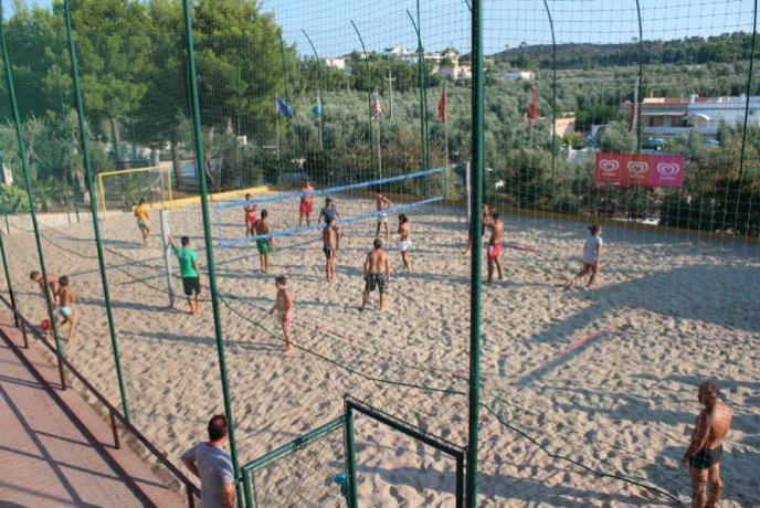 Villaggio in Puglia con Piscina e campi sportivi