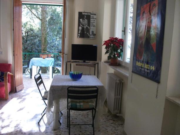 Camera con balcone B&B vicino stazione Perugia