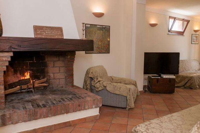 Casale con ampio salone con Camino Lago-Trasimeno