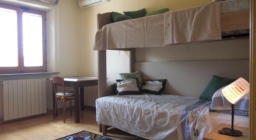 Camera familiare con letto a castello