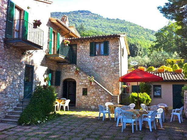 Casolare Assisi con Giardino e Animali ammessi
