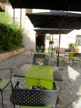 Ristorante esterno Hotel a Foligno 3 stelle