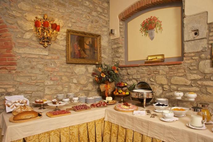 Sala colazione in Luxury Villa Toscana