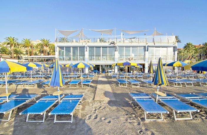 Spiaggia Villaggio Residence sul Mare a Loano