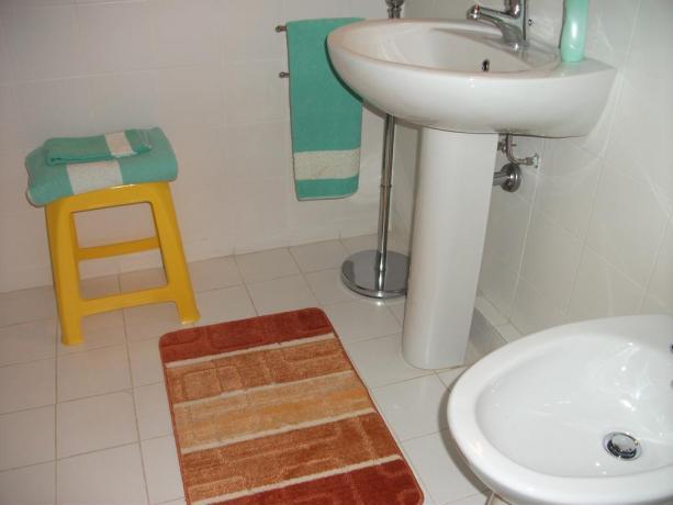 Bagno con servizi Bed and Breakfast a Corciano