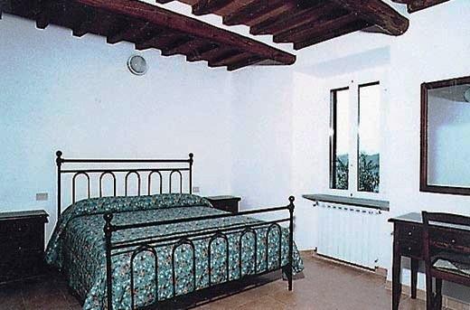 Camera matrimoniale letto in ferro battuto