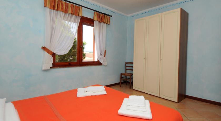 Camera Matrimoniale residence famiglia Vignola Mare