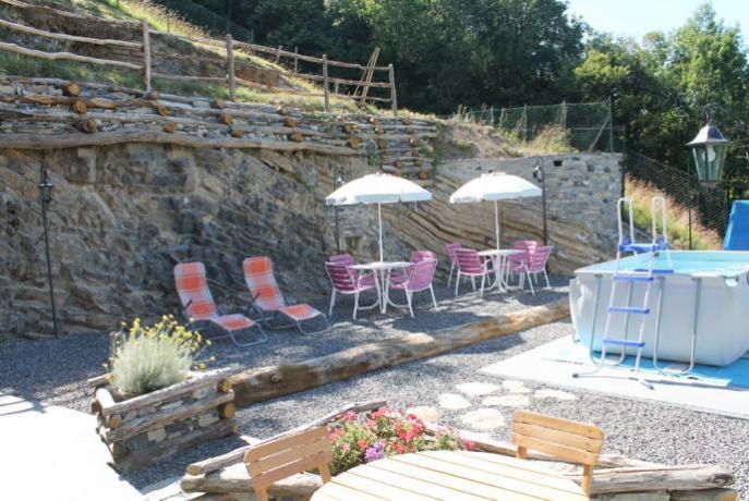 Hotel con piscina idromassaggio vicino Lago di como