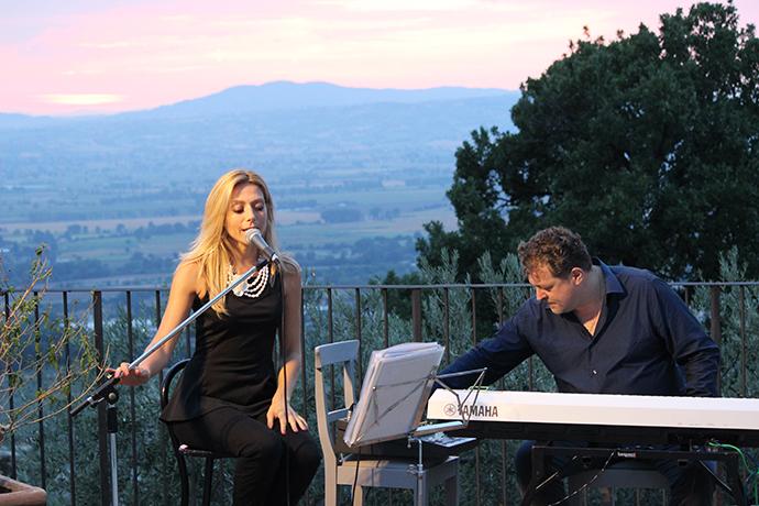 Aperitivo al Castello con Pianobar a Spoleto