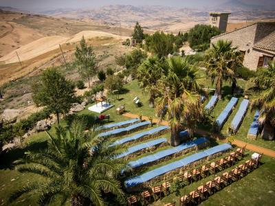 Natura incontaminata Masseria4Stelle Valledolmo in Sicilia