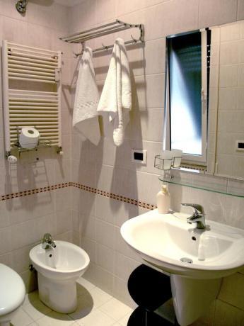Bagno privato con servizi affittacamere a Roma