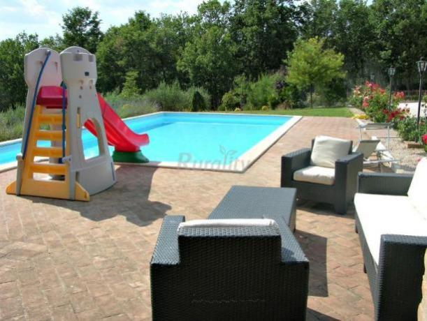 Agriturismo in Umbria con solarium e piscina